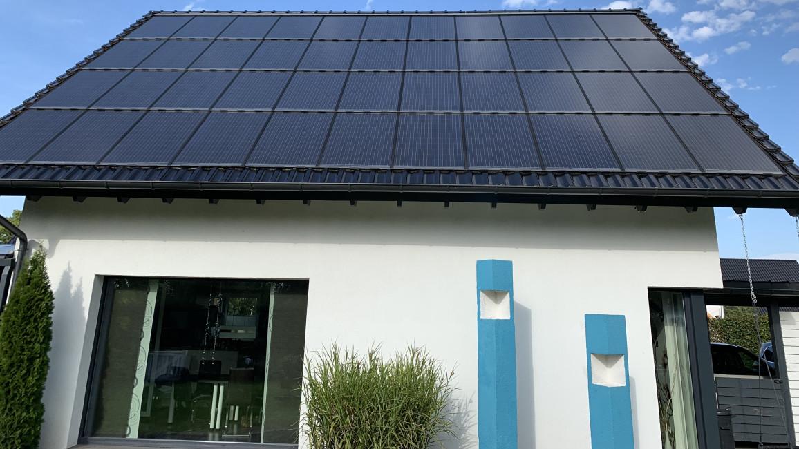 Indach-PV-Anlage auf Einfamilienhaus