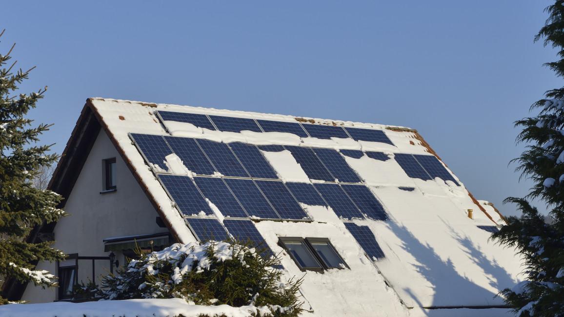 Solaranlage - PV-Module im Winter
