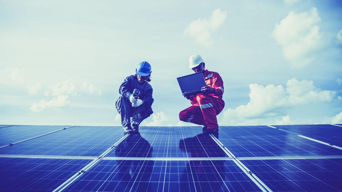 Regelmäßige Wartung sichert die Garantie der PV-Anlage