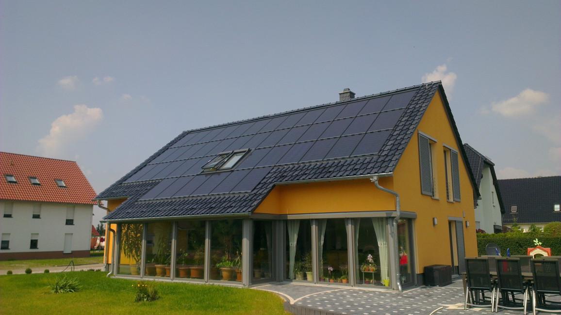 Arten von Photovoltaikanlagen: Indach-PV