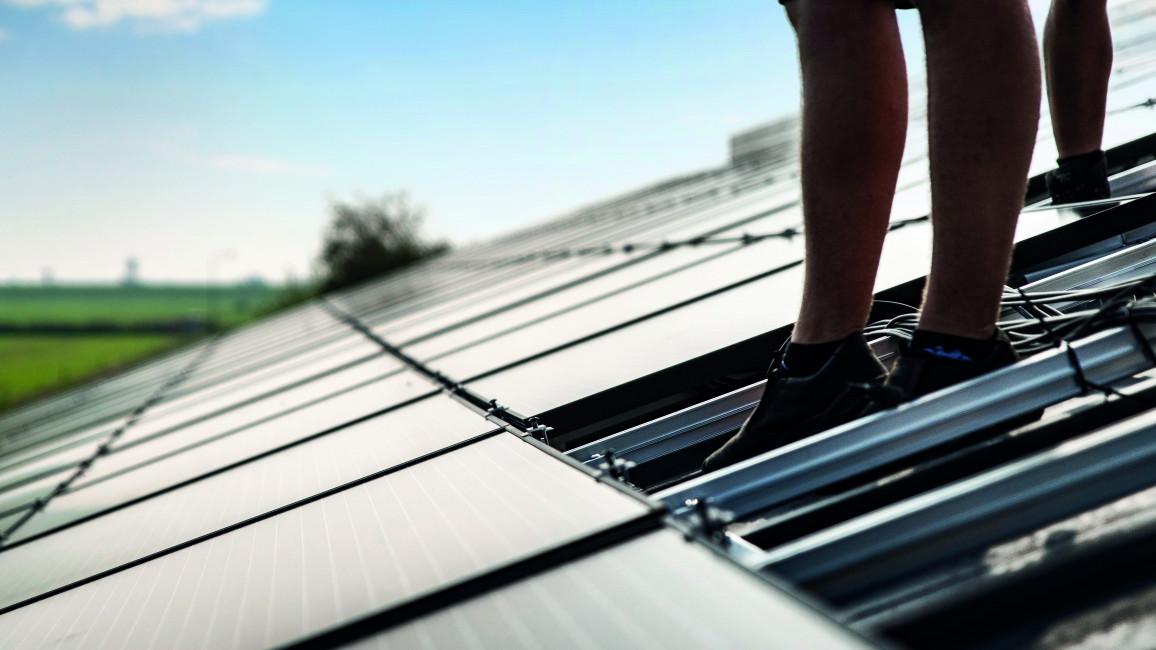 Aufbau einer Photovoltaikanlage - Module
